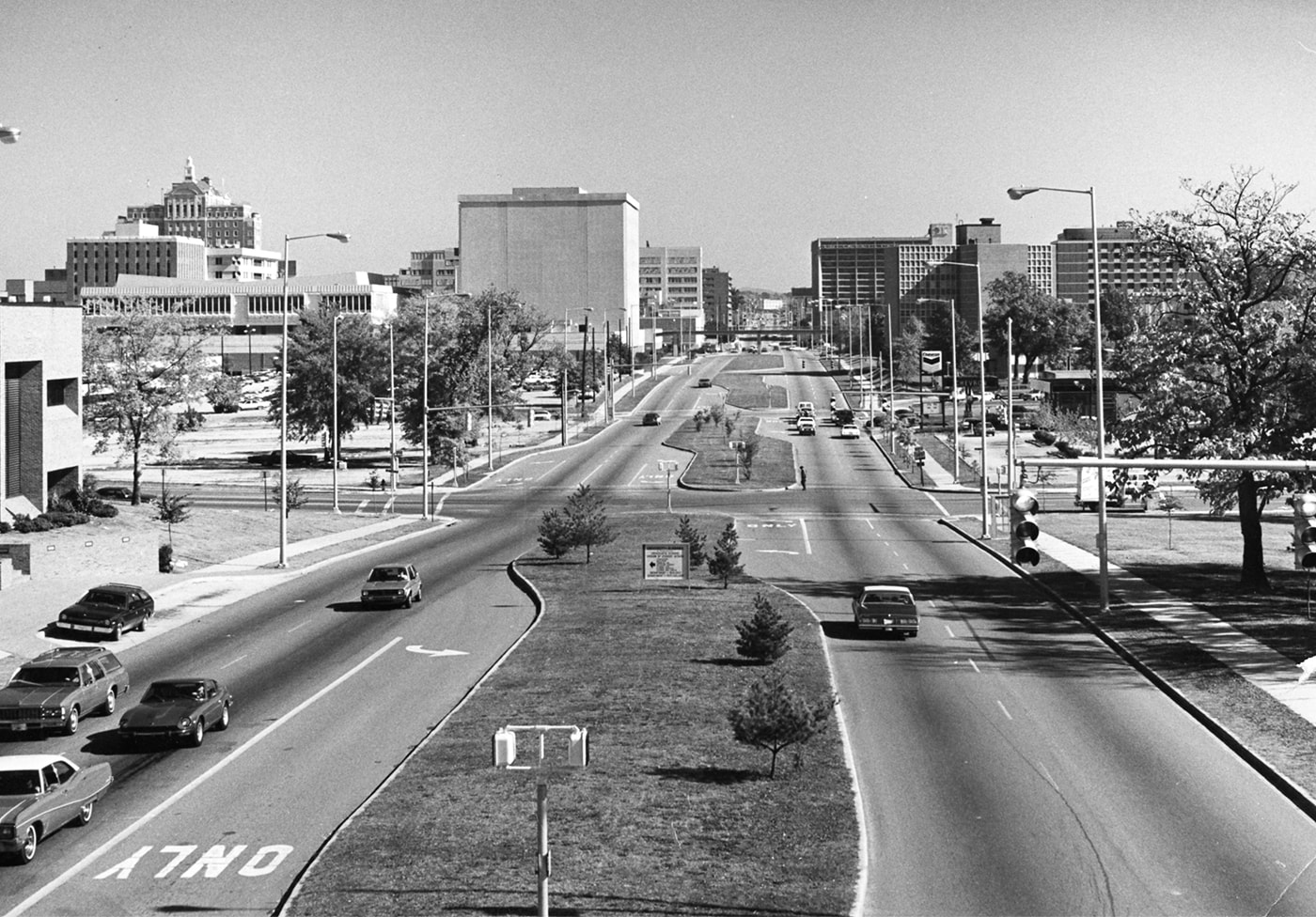 old view of university boulevard