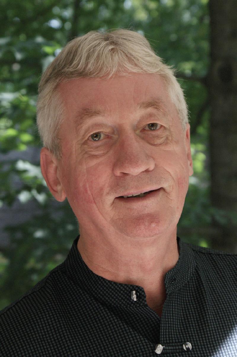UAB - CAS - News - Dr  Frans B  M  De Waal Named Recipient