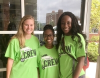 Student Social Work Organization officers volunteer on move-in day