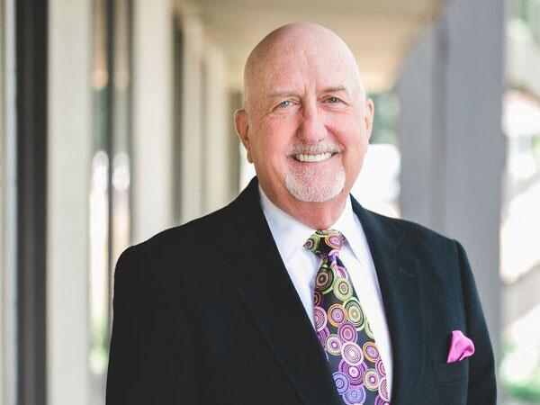 Alumni Spotlight: Dr. Thomas Dudney takes a minimalistic approach