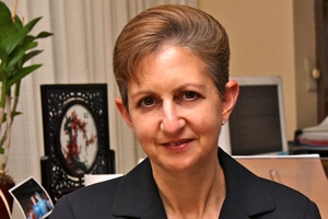Benveniste named senior associate dean for Research Administration and Development