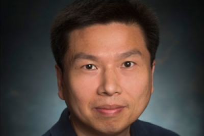 Personalized mentoring creates win-win relationships in Zhou's lab