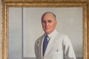 Portrait of former chair of Medicine unveiled before descendants and School leaders