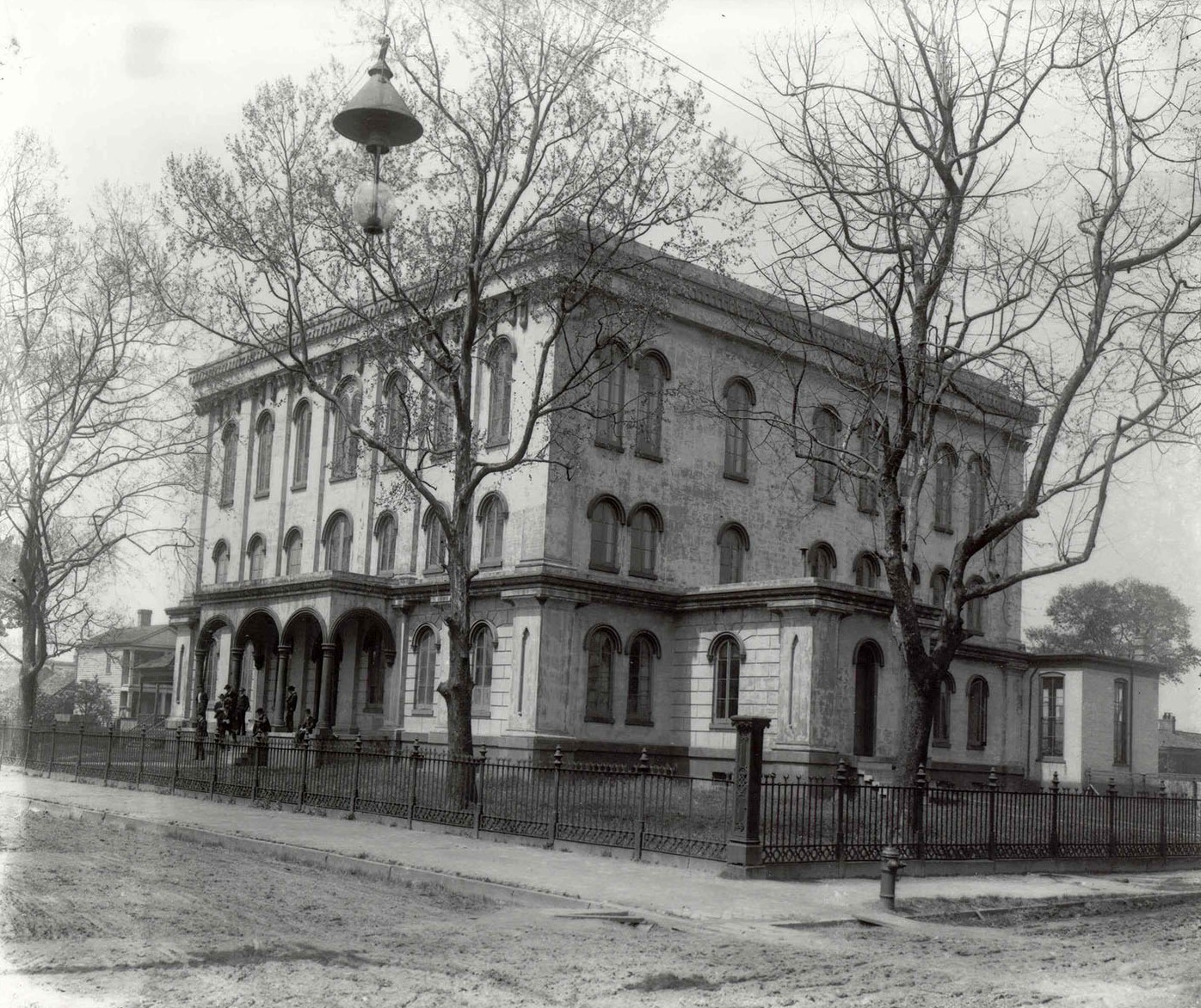 1852-First Medical School in Alabama