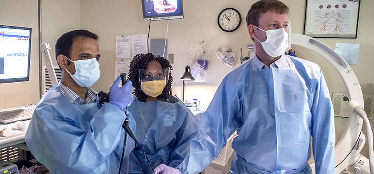 Drs. Bhatt and Dransfield perform a procedure to help a patient with emphysema