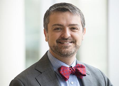 Environmental head shot of Dr. Eric Wallace, MD (Associate Professor, Nephrology), 2019.