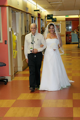 wedding nicu aisle
