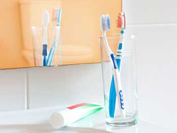 toothbrush-bathroom-350