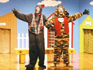 "Fur flies in ArtPlay kids' holiday fave, ""Yuletide in Dogtown"""