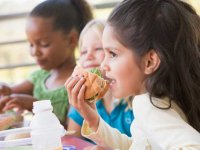 Healthy lunch choices help ward off childhood obesity, say UAB experts