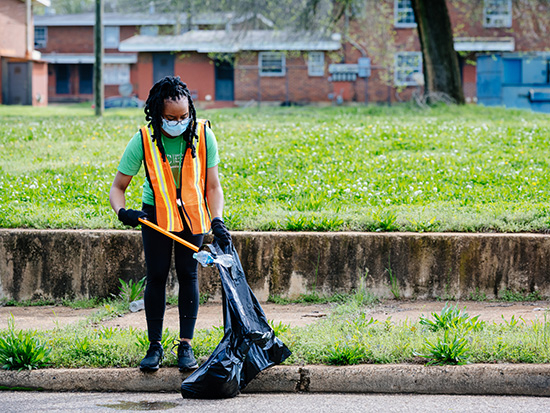 Volunteers go Into the Streets for UAB student-led day of service, community cleanups