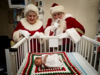 Santa spreads holiday cheer to families in UAB's NICU, Continuing Care Nursery