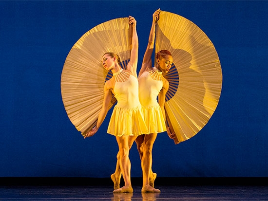 """MOMIX brings """"Opus Cactus,"""" dance fantasy inspired by American Southwest, to UAB's Alys Stephens Center May 11-13"""