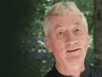 Frans de Waal named recipient of 2016 Ireland Distinguished Visiting Scholar Award