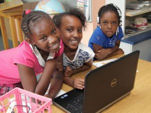 Kids' computer use can be great equalizer or divider, study reveals