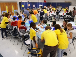 UAB students bring PhUn to area elementary school