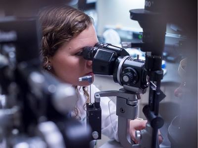 Optometry professors receive VSRC pilot grant support