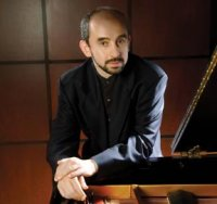 UAB's Yakov Kasman to perform in U.S., South Korea, France