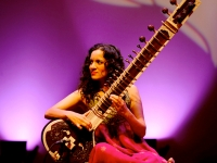 Anoushka Shankar shines April 9 for IndiaFest performance at UAB's Alys Stephens Center
