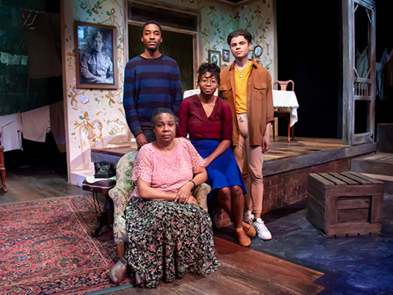 "From white family to black: cast of Theatre UAB's ""The Glass Menagerie"" discuss race and the play"