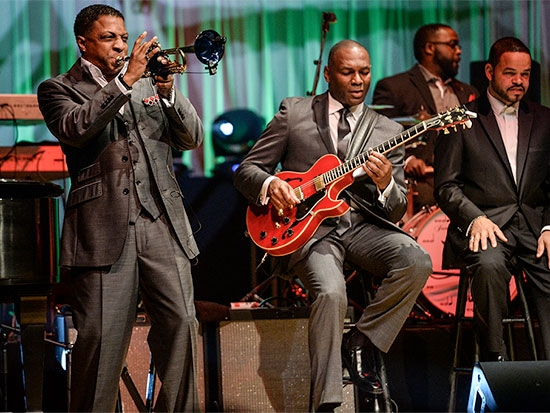 "Eric Essix brings ""Holiday Soul"" to UAB's Alys Stephens Center on Dec. 10"