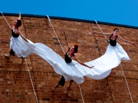 Alys Stephens Center celebrates 20 years with free aerial performance by BANDALOOP, Sept. 21 and 23