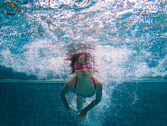 Five signs your child is ready for no flotation device