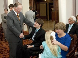 Spinal cord injury research program receives gift