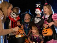 Help your kids have a heart-healthy Halloween