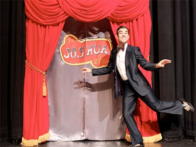 Theatre UAB presents award-winning puppeteer actor Joshua Holden on March 30