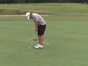 Combating Huntington's disease, one golf hole at a time
