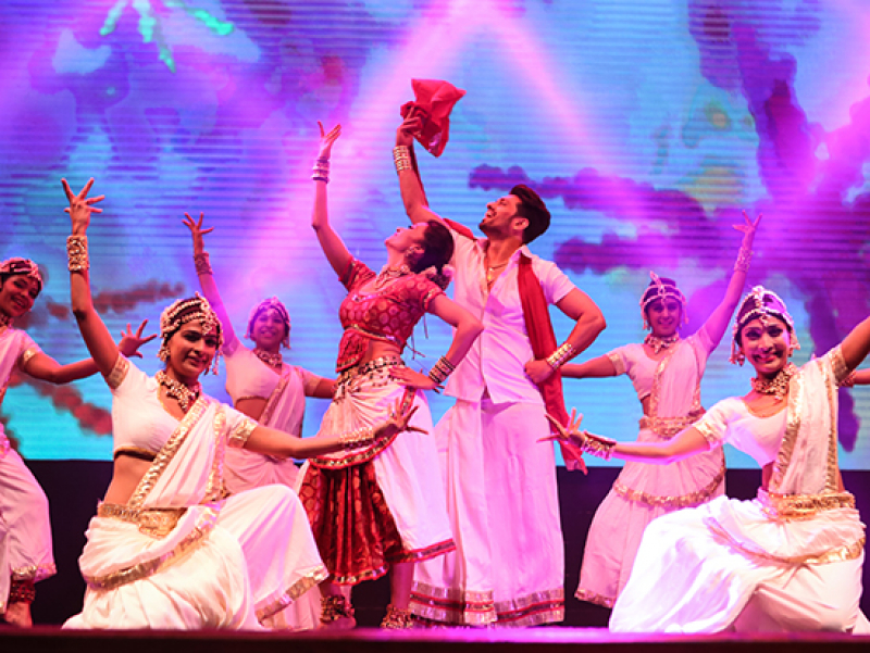 """Taj Express: The Bollywood Revue"" live Oct. 28 at UAB's Alys Stephens Center"