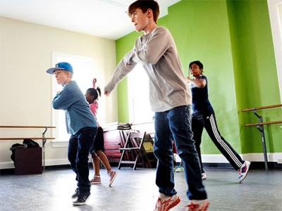 Cultivate creativity with new classes at Alys Stephens Center's ArtPlay