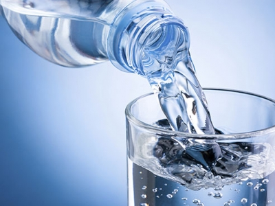 Debunking water myths: weight loss, calorie burn and more