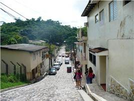 students on street in copan resized