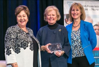Disch receives AACN award