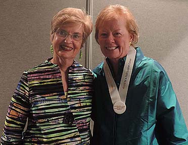 Photo: Alumna Joanne Disch honored by AACN