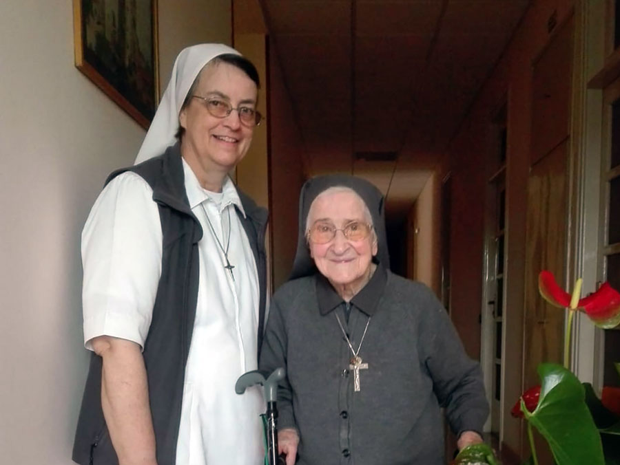 Photo: Sister Linda Hill with Sr. Antonilla