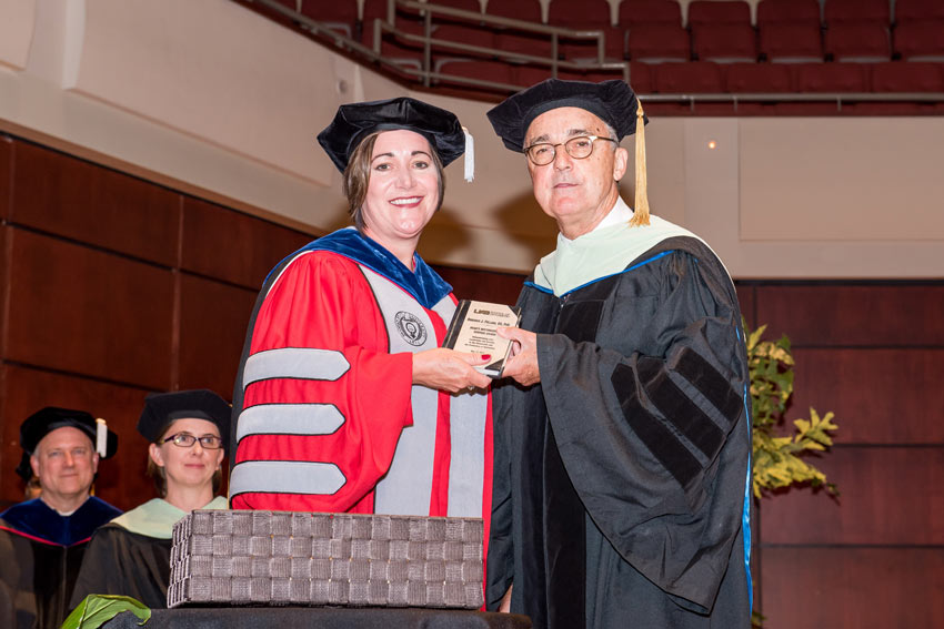 Roderick Fullard receiving the Dean's Distinguished Service Award
