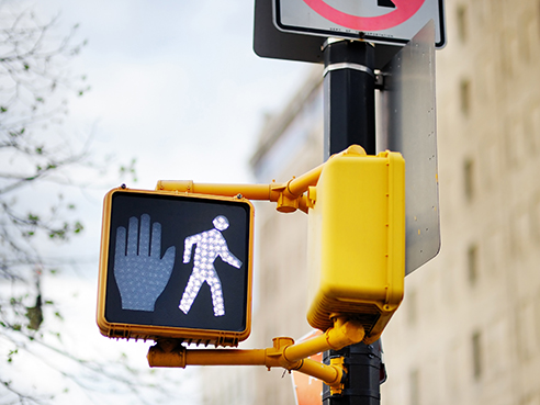 4 easy steps to stay safe as a pedestrian during a pandemic