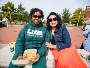 Enjoy a buffet lunch at the staff picnic on the Green Oct. 22