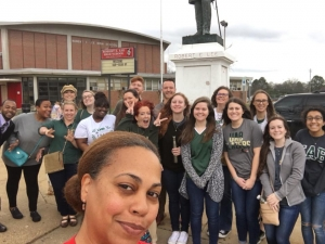 Volunteers from UAB help GEAR UP Alabama prepare high schoolers for college