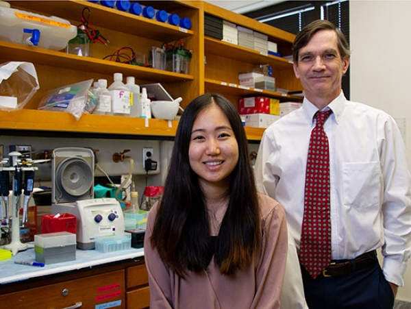 Undergrad helps power search for ALS breakthrough as department works to support more young scientists