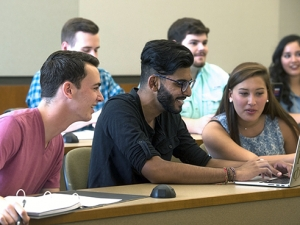 Faculty fellows to foster community, academic enrichment for honors students