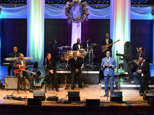 "Get some ""Holiday Soul"" with Eric Essix and 5 Men on a Stool"