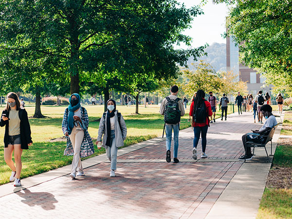 New Gulf Scholars Program prepares undergraduates to address challenges in Gulf of Mexico region