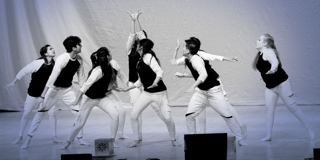 Photo of Rangeela members performing on stage